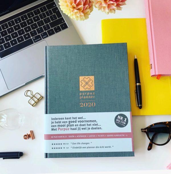 Purpuz Planner 2020 - Planner 2020 Agenda 2020 en Life Coach in één Grijs- Cover(1)
